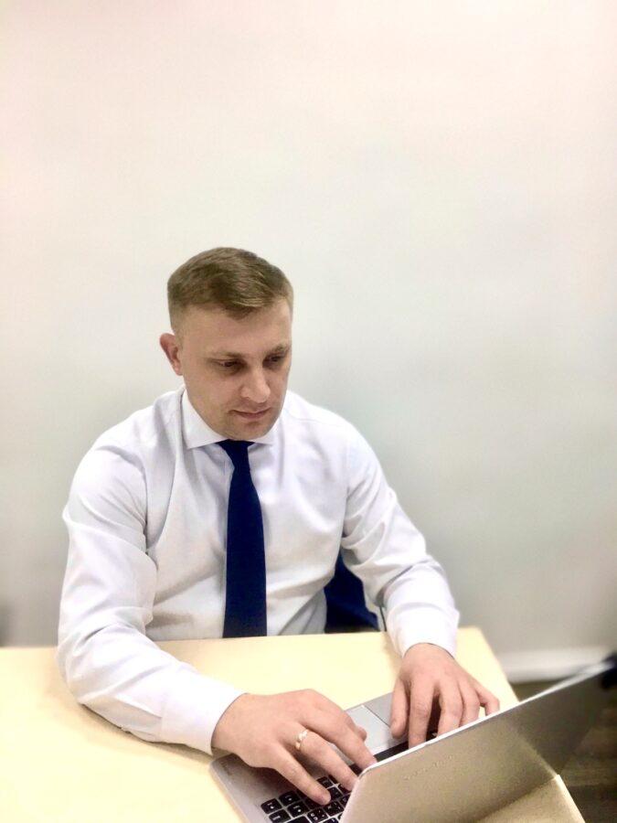 Олег Миник